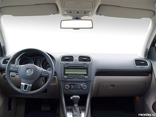 Volkswagen Golf VI изнутри
