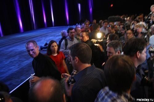 Стив Джобс на презентации Айфона 3G в 2008-м