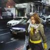 Молодая женщина на улице Лондона
